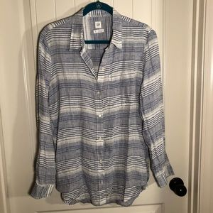 Gap Boyfriend Linen Button up shirt